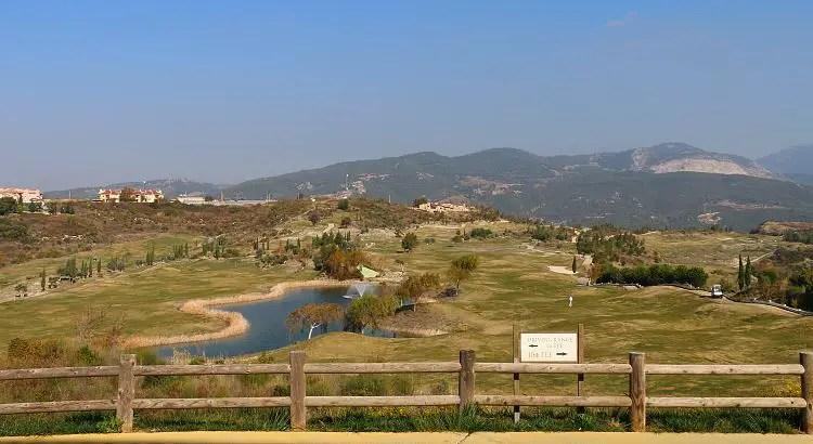 Der Golfplatz vom Clubhaus aus gesehen.