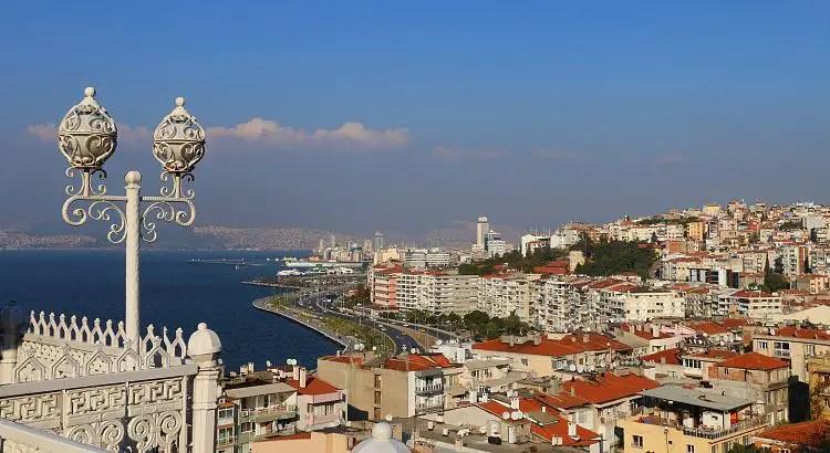 Ausblick vom Asansör auf Izmir