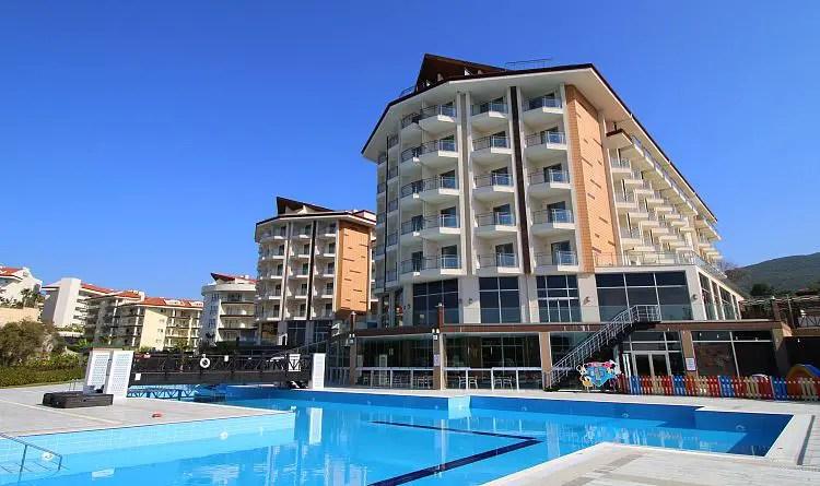 Hauptpool des Resort