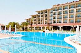Pool des barrierefreien und für einen Rollstuhl geeigneten Paloma Oceana Resort in Kumköy