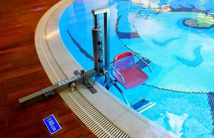 Poollifter des Indoorpool des Calista Resort in Belek