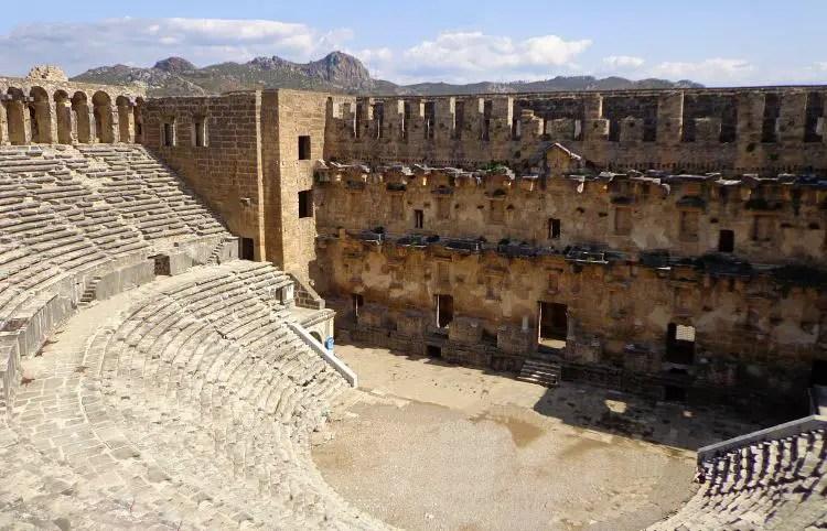 Römisches Theater in Aspendos, Sitzplätze
