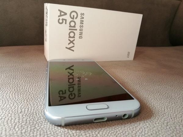 Samsung Galaxy℗ A5 2017 caja y frontal
