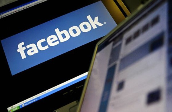 facebook moderación