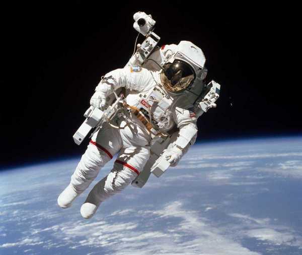 Primer viaje libre 1984 Bruce McCandless NASA Challenger