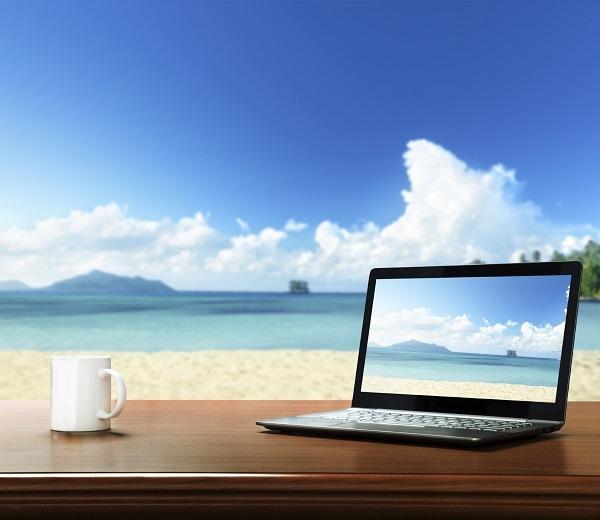 5 portátiles livianos y con buena autonomía para llevarte de vacaciones