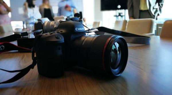 lanzamiento Canon EOS 6D Mark II conectividad