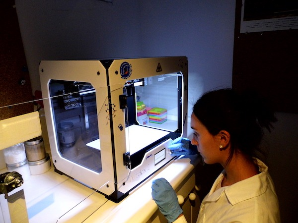 Científicos españoles alcanzan imprimir tejido humano con una impresora 3D