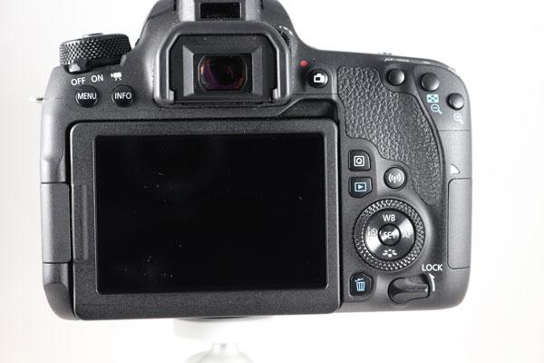 prueba Canon EOS 77D parte posterior