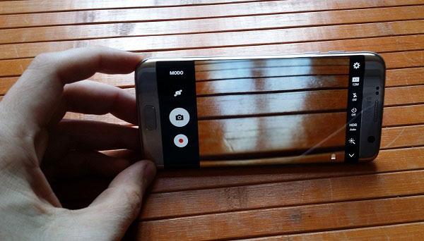 comparativa Samsung℗ Galaxy℗ S7 edge frente a móviles punteros de 2017 cámara S7 edge