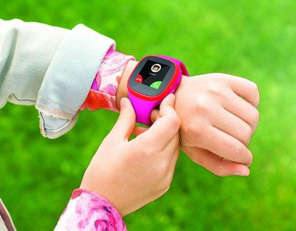 TCL MT30, un reloj inteligente para niños
