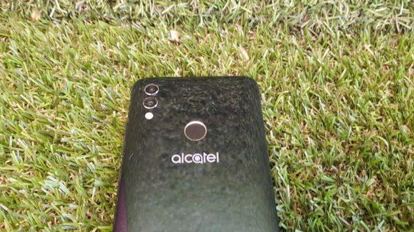 alcatel 5v cámara dual