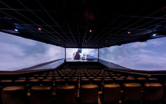 Los cines del futuro tendrán tres pantallas