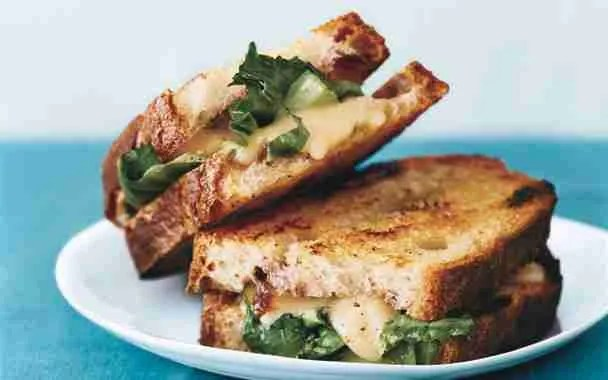 rear_grilledcheese01_608