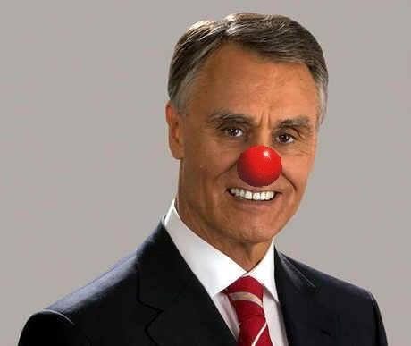 Chamar palhaço ao Cavaco Silva não é crime nem ofende a honra, dizem Tribunais Portugueses