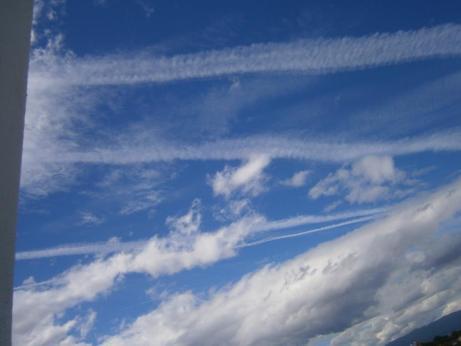 """Entidade governamental diz que chemtrails não são um """"fenómeno meteorológico reconhecido"""""""