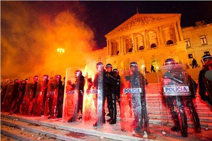 Um ano depois, inquérito à PSP na carga policial em frente à AR a 14 de Novembro ainda decorre