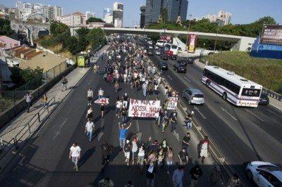 """A PSP """"sequestrou"""" 226 manifestantes… e o processo foi arquivado"""
