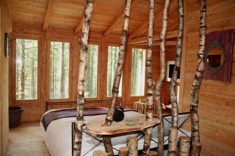 Hontza en Zuhaitz-etxeak, cabañas en los árboles en Euskadi