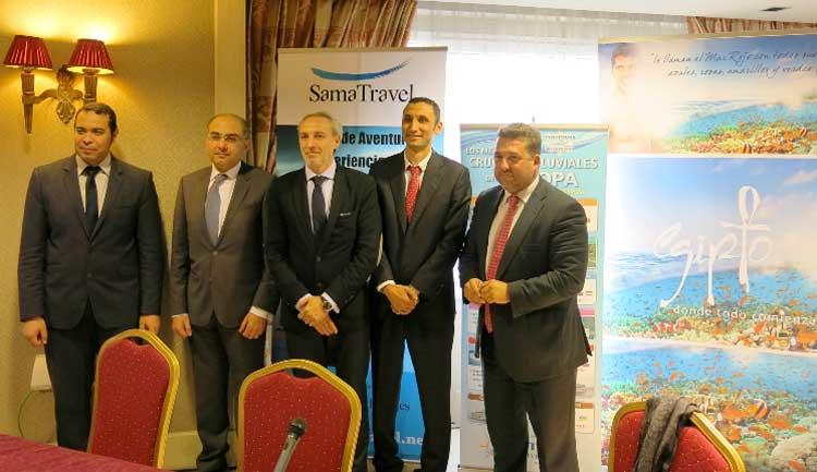 agregado de Turismo de Egipto, Mohamed Ismael; el Consejero de la Embajada de Egipto, Ashraf Sultan; el director Comercial de Politours, Carlos Ruiz; y el director de la agencia Sama Travel, Mohamed Ali.