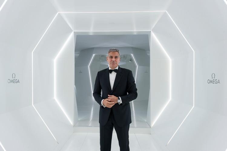 George Clooney con el OMEGA que fue el primer reloj en ser llevado en la Luna