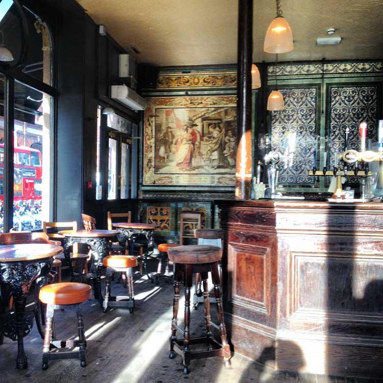 Pub Ten Bells, East End, Londres. © Tu Gran Viaje