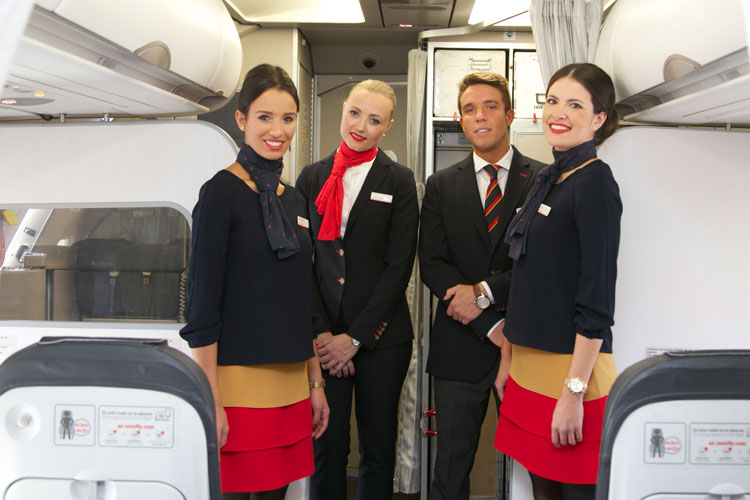 El Ganso diseña los nuevos uniformes de Iberia Express. Tu Gran Viaje