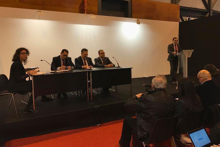 autoridades tunecinas y Rami Jebali, director de la Oficina Nacional de Turismo de Túnez para España y Portugal.