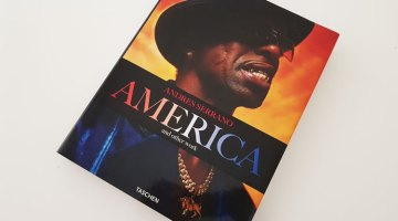 America and other work by Andres Serrano edited by Taschen | Tu Gran Viaje revista de viajes y turismo