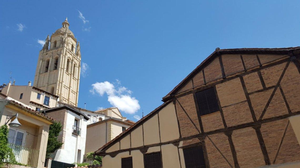 Paseando por la Judería de Segovia | Descubre Sefarad | © Clemente Corona / Red de Juderías de España