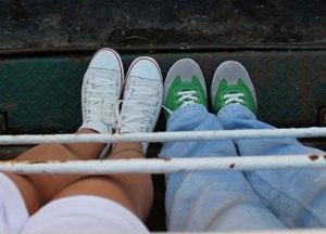 iki çift ayak