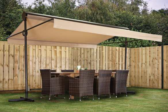 Free standing adjustable canopy