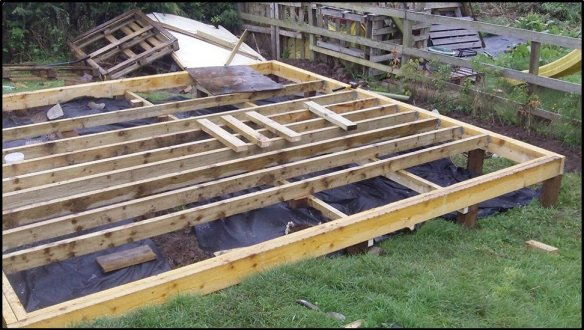 Timber frame base for the log cabin