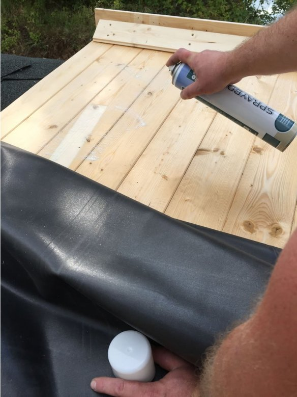 Glue all the way along the roof