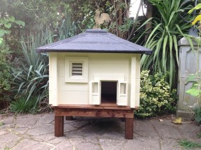 Mini Log Cabin For Cats