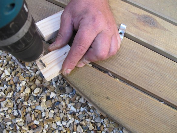 As when working with all wood and screws we will always send through a pilot hole before sending through a screw to stop splits happening in the timber we are working on.