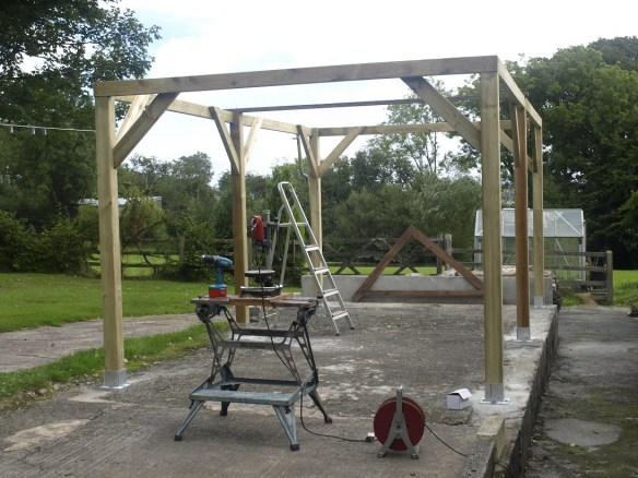 Gazebo angle bracing and ring beam