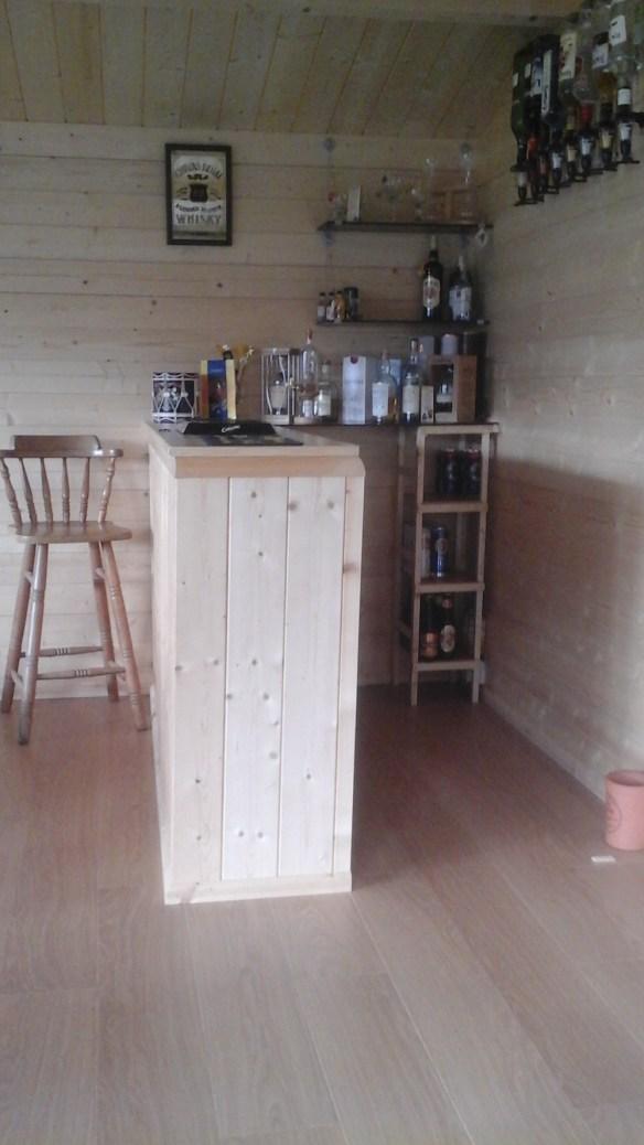Nottingham Log Cabin Bar