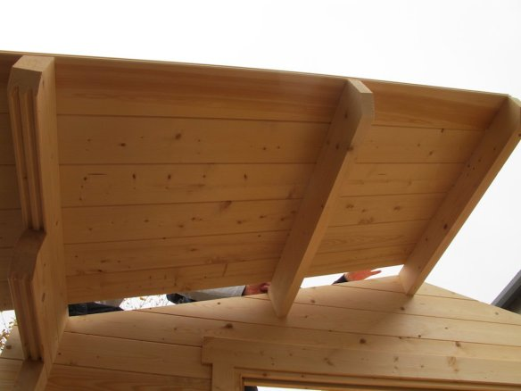 Lennart Overhang Roof Boards