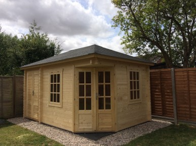 An Agnes Log Cabin With Clear Carefree Treatment