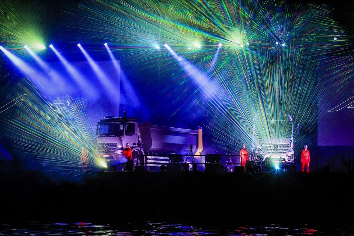 Un lancement regional spectaculaire à Dubaï autour d'un show son et lumière offshore