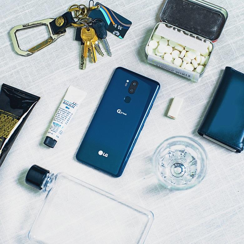 LG-G7-Beauty-Shot-02