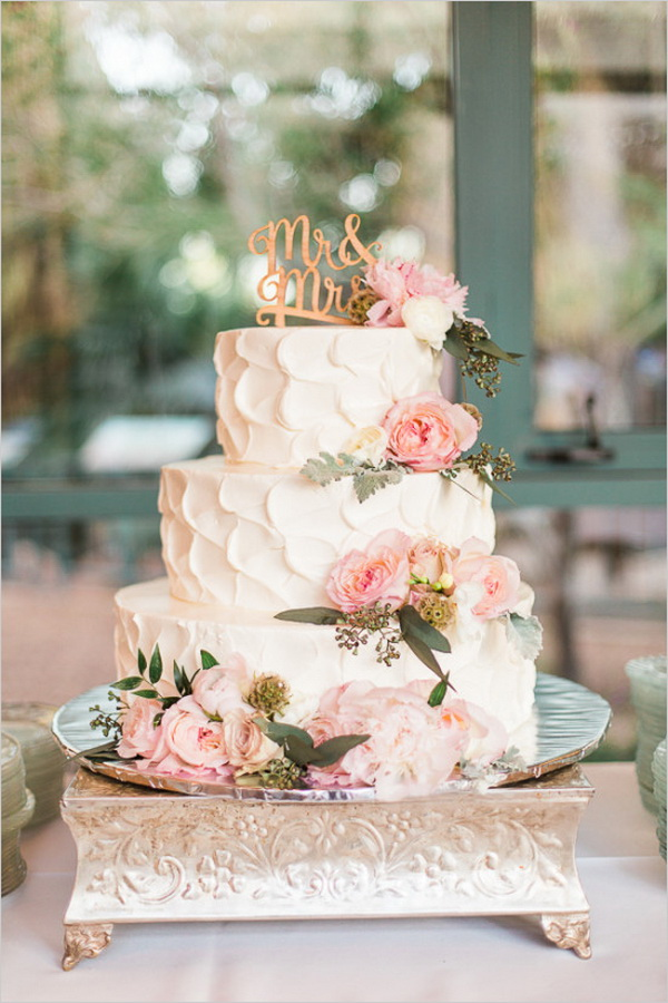 20 Rustic Wedding Cakes for Fall Wedding 2015   Tulle   Chantilly     elegant three tiered wedding cake for fall wedding 2015