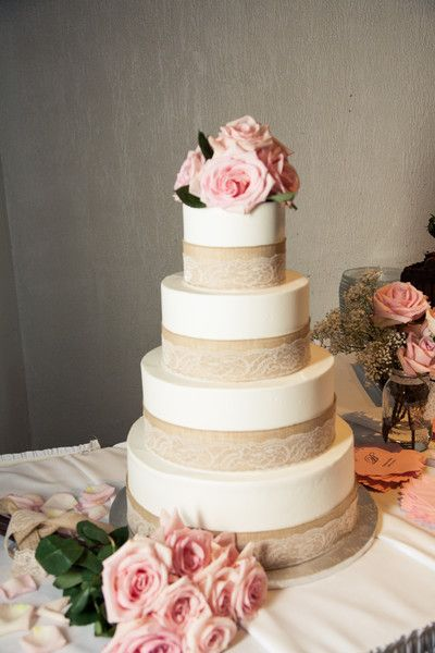 Burlap and Lace Wedding Cake with Pink Roses   Tulle   Chantilly     Burlap and Lace Wedding Cake with Pink Roses