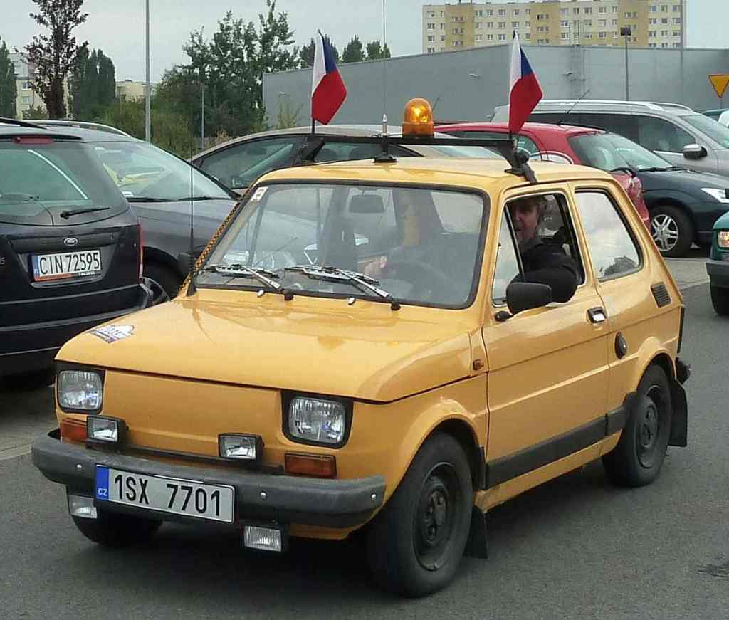 Żółty gelb yellow fiat czechy 126 flagi flaga kogut