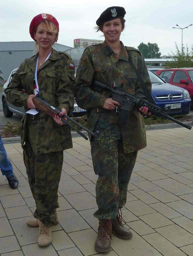 Żołnierki Super Inowrocław broń Cool Extra Dziewczyny Fiat 126p
