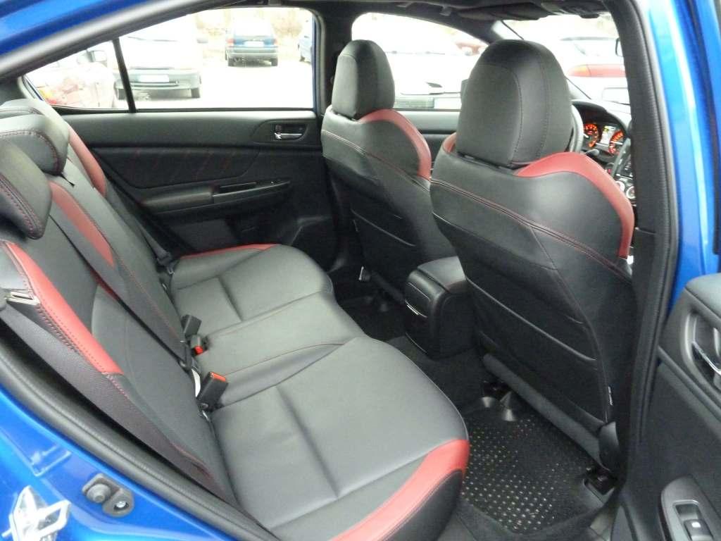 Subaru WRX STI back seats kanapa miejsca tylnie