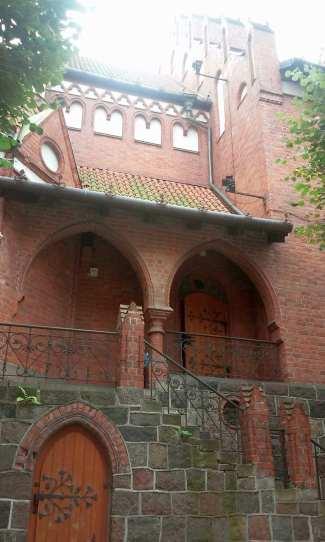 kosciol-sw-jerzego-w-sopocie-budowla-neogotycka-z-1901-pierwotnie-swiatynia-protestancka-a-od-1945-katolicka-znajduje-sie-w-sopocie-przy-ul-kosciuszki