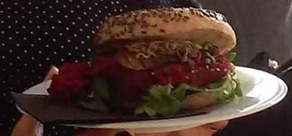 burger Toruń Vegun meal wegański posiłek obiad danie główne pierwsze main dish plate vegetalienne wegan wegetariański vegetarian