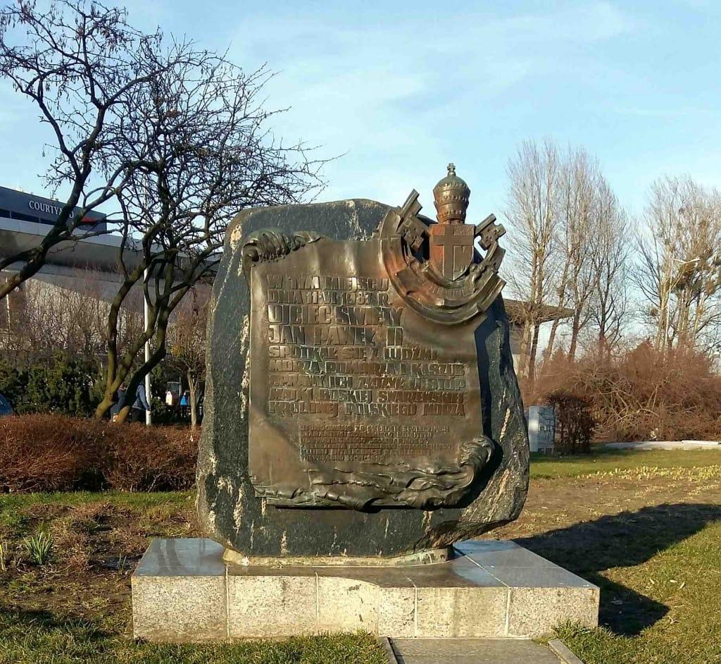 lat temu papież Polak Jan Paweł II podczas trzeciej pielgrzymki do Polski odwiedził Gdynię